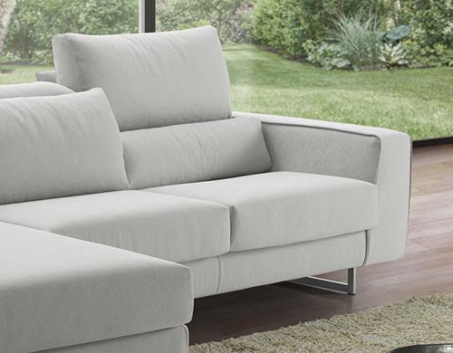 carol-piede-acciaio-dettaglio-sofa