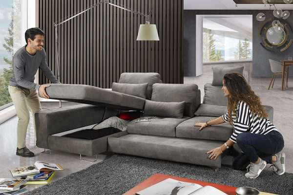 mozia-divano-grigio-apertura-model